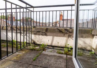 Twin 3 Balcony