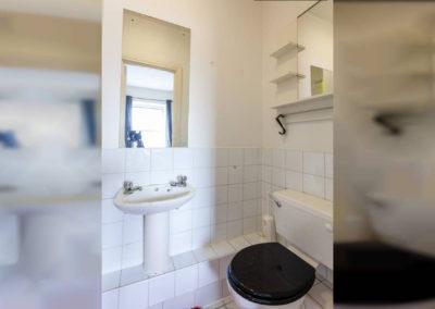 Twin 3 Bathroom 2