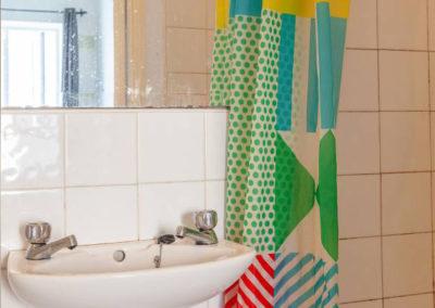 Twin 4 Bathroom