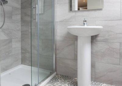 Twin 7 Bathroom